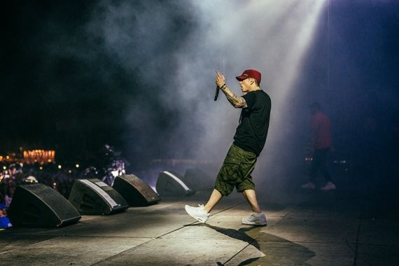 (Facebook/Eminem)Eminem performing in one of his concerts  Fans have been waiting for the ninth album of one of the most acclaimed rappers, Eminem. However, ...