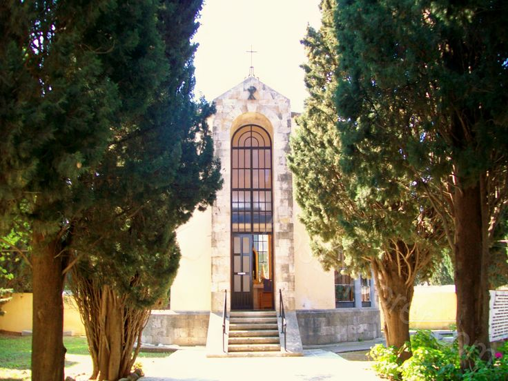 The Catholic church in Kos town. The church was built during Italian occupation on the island where some Italian soldiers were even buried! #history #culture #catholic #church #greece