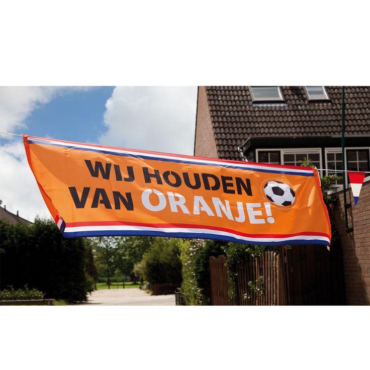 Oranje Banner van polyester met de tekst 'Wij houden van Oranje!'. Afmeting: 220 x 74 cm - Polyester Banner 'Wij Houden van Oranje'