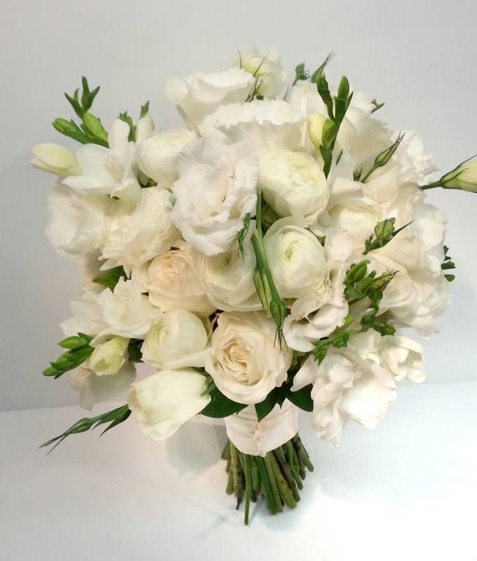 1000 ideas about freesia bouquet on pinterest bouquets party hire and freesia wedding bouquet. Black Bedroom Furniture Sets. Home Design Ideas