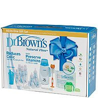 Enjoy a hassle-free bottle-feeding experience with the Dr. Brown's All-In-One Gift Set, as featured in our Baby's First Christmas Gift Guide 2015, Everyday Gifts! #BRUChristmas