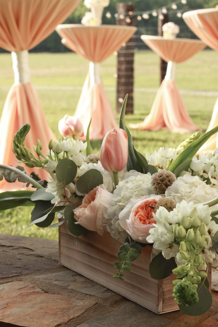 Home bulk roses peach roses - The Pairing Of The Peach Rose With A Similar Colored Tulip And White Delphiniums Make A Simple Picturesque
