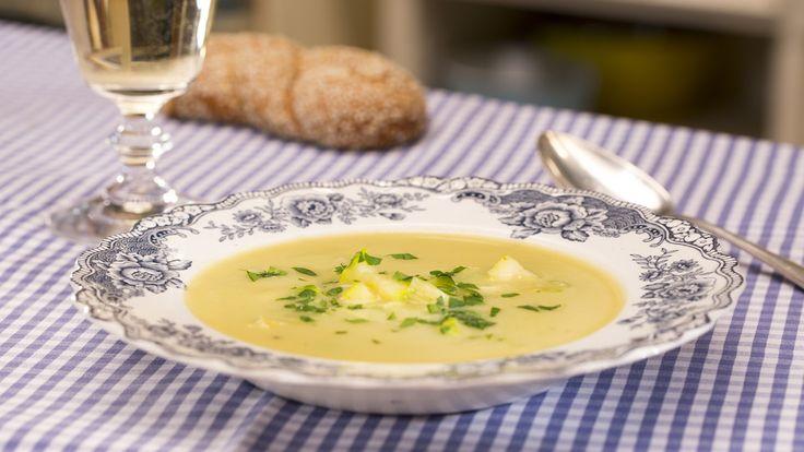 Zucchini - Creme - Suppe, ein leckeres Rezept aus der Kategorie Kalorienarm. Bewertungen: 198. Durchschnitt: Ø 4,3.