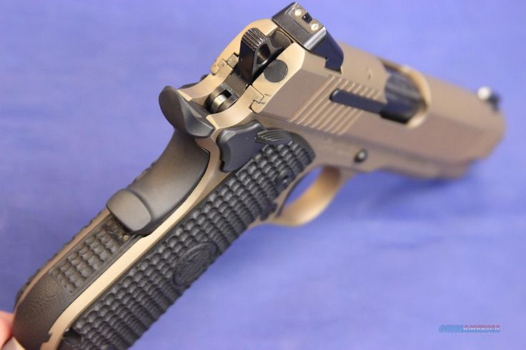 SIG 1911 FASTBACK CARRY EMPEROR SCORPION .45 ACP - NEW!... Find our speedloader now!  http://www.amazon.com/shops/raeind