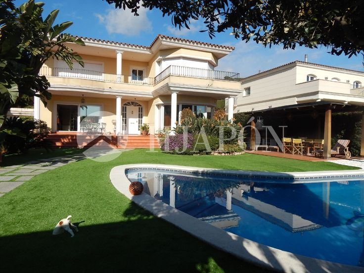 Cool Luxury villa of m and a flat piece of land of m for sale in St
