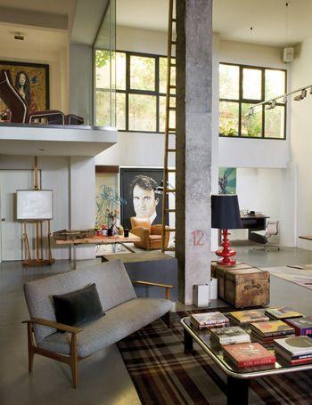 ELLE.es Entramos en la casa-estudio del pintor Enrique García Gonzalo.