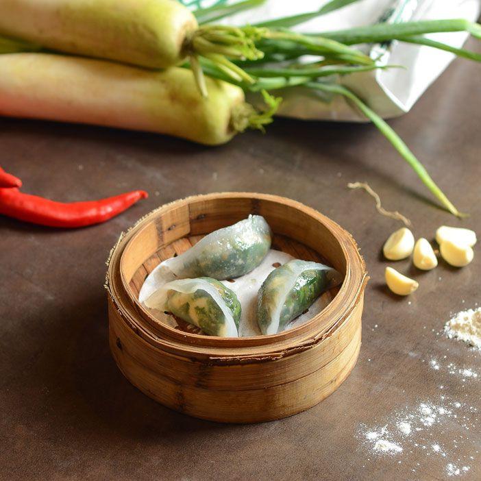 Steamed Spinach Dumpling with Shrimp.