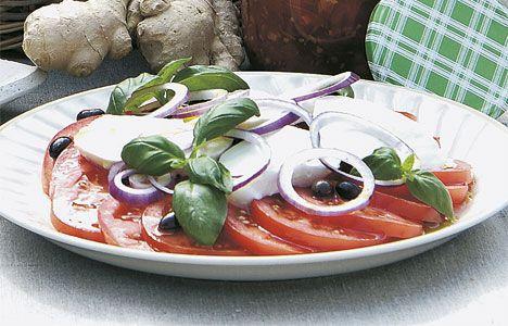 Tomatsalat med mozzarella og basilikum