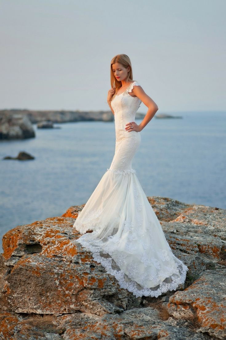 The Perfect Wedding Dresses Gallery. Looking For The Modern Wedding ...