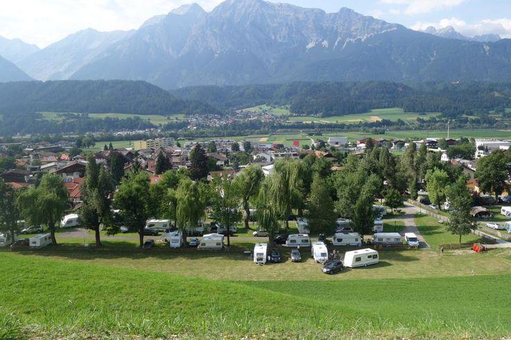 Op zoek naar een camping in Oostenrijk? Lees dan nu alles over Schloss Camping Aschach in Tirol, bij Innsbruck in de buurt. De ideale uitvalsbasis!