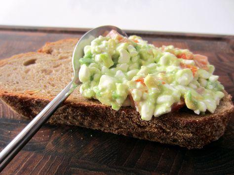 En simpel sammensætning, der smager fantastisk på nybagt brød. Passer perfekt til en god brunch eller et lækkert stykke brød til frokost.