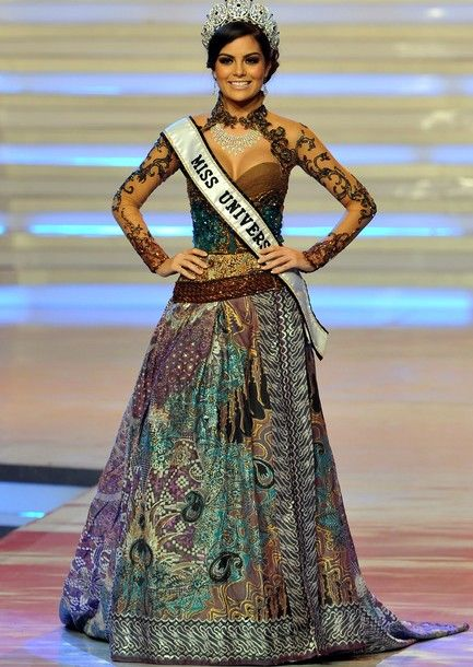 Miss Universe in Indonesian Traditional Costume, KEBAYA