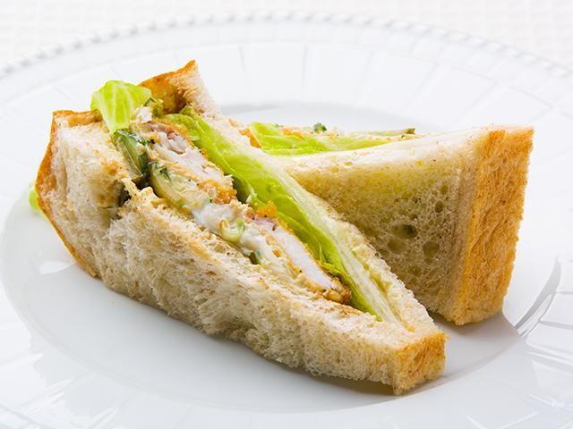 マヨネーズのかわりにヨーグルトを使ってるのでヘルシーです。白身魚はタラや鯛などお好みのものをお使いください。