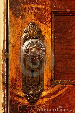 door knobs on pinterest antique door knockers front door hardware