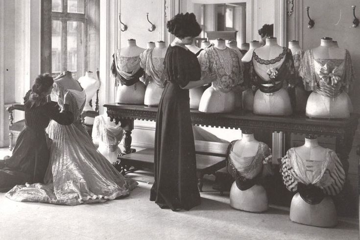 Appearing late 19th century - early 20th century, Charles Frederick's tendency changed over time. He was the first person who designed and created trends change every year. His designs were extremely highly sophisticated, each design just fit to a single person.