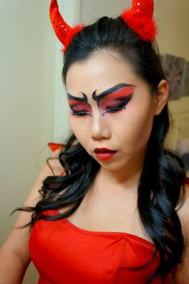 Halloween Makeup Tutorial: Flaming Hot She-Devil - buy your crazy contact lenses and accessories at www.youknowit.com #contactlenses #halloween #fancydress