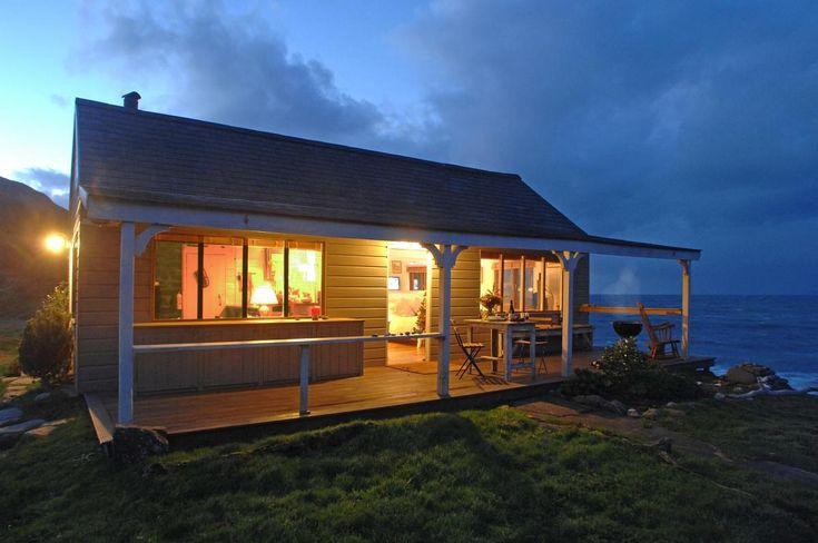 This snug retreat provides a secluded escape for lovers. The 85 year old cottage is located on a remote cove on the rugged windswept coast of Cornwall. The Beach Hut was a teahouse when first built…