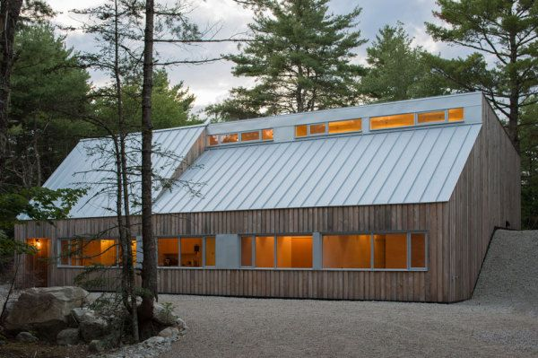 Example of less is more and how standing seam metal roofing brings such a clean effect to a building. Design of Moore Studio