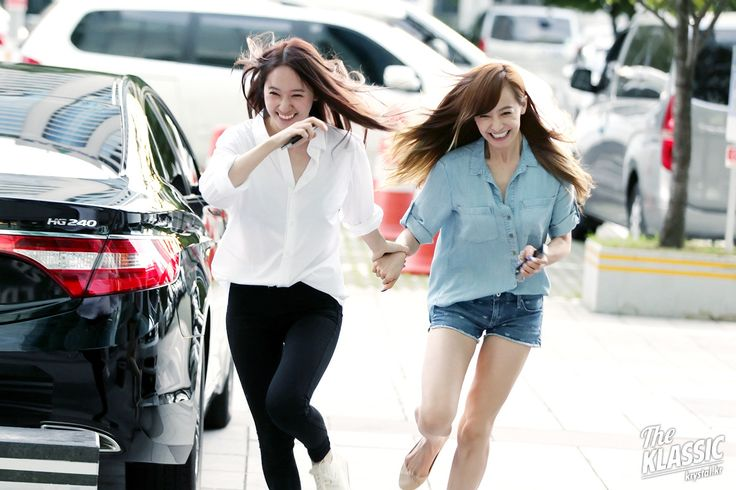 Fx Krystal and Victoria