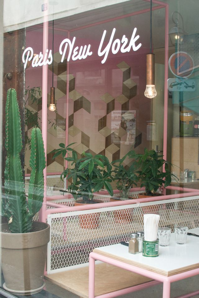 Travel Tips: Cool Paris Restaurants & Cafés