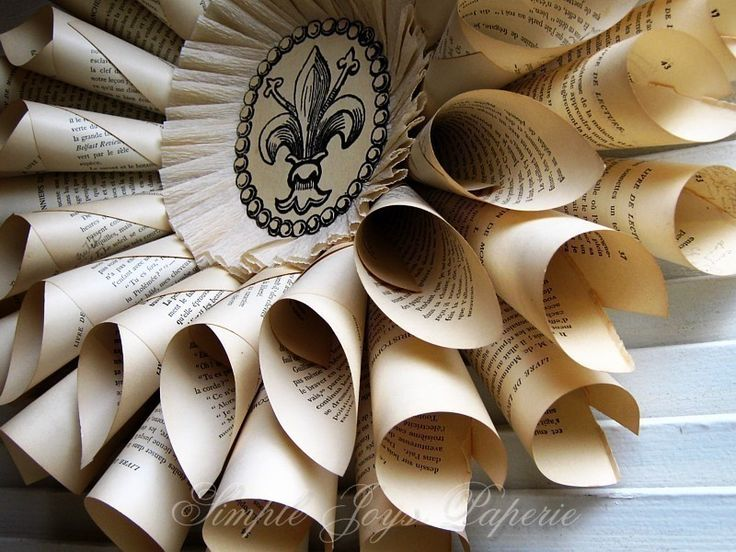 """beautiful presentation for programs! the fleur might be a bit too """"obvious"""" french"""
