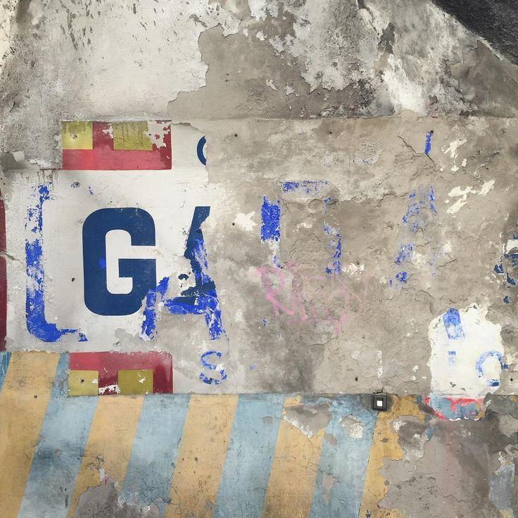 Piccola Bottega della Grafica #typography #sign #italy #garage