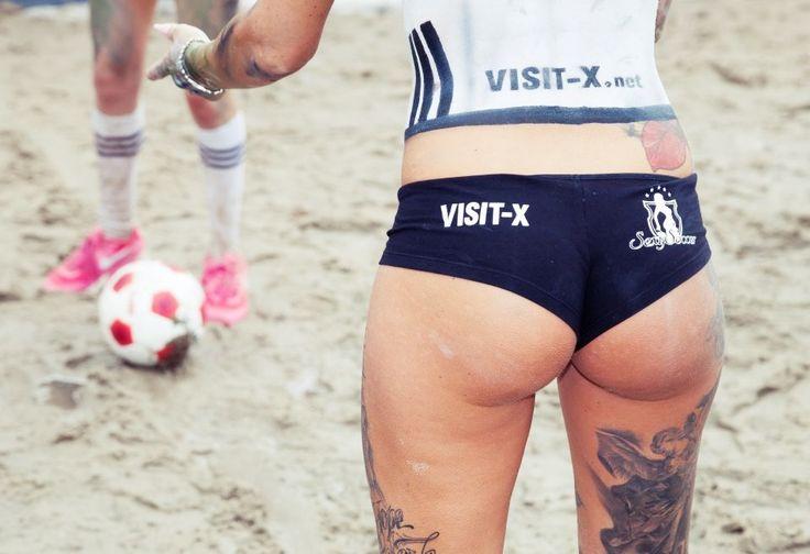 Yuk Intip Sexy Soccer Dengan Pemain Tanpa Sehelai Baju