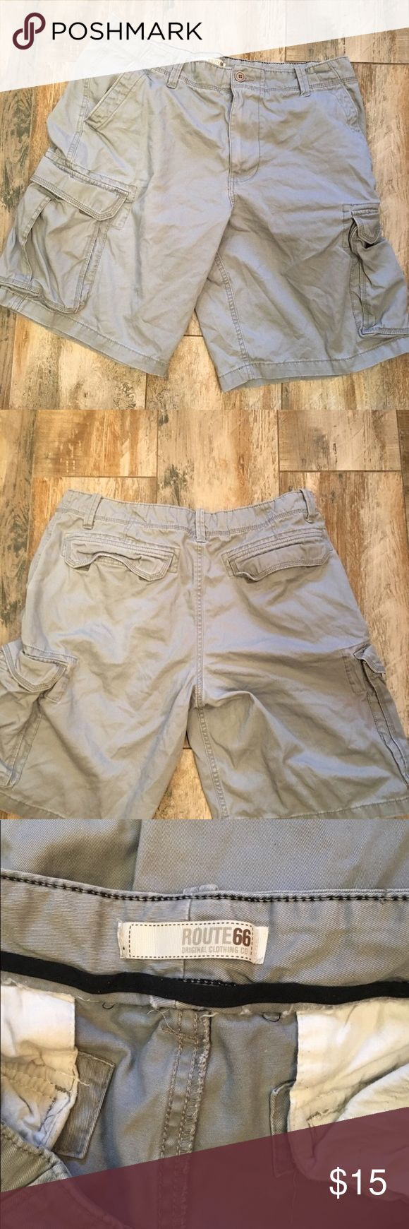 Great pair of men's casual shorts Great cargo shorts. In good used condition. Note some fraying at the bottom. Route 66 Shorts Cargo