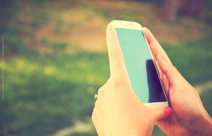 La Corte di Giustizia Europea ha stabilito che non è di ostacolo alla libera circolazione dei cellulari la Tassa di Concessione Governativa