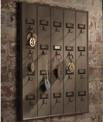 I love the look of this vintage wooden hotel key rack! Yep I need this too.