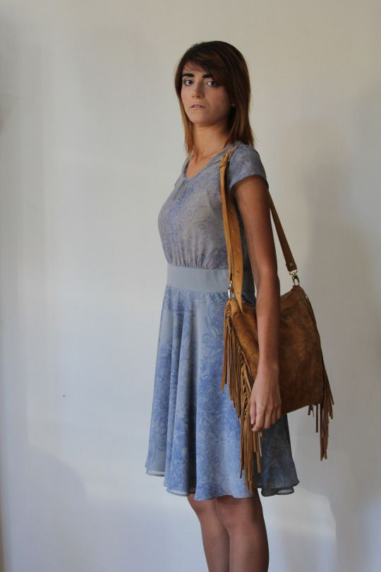 Grey dress in blue flower print plus leather brown boho bag with flower print