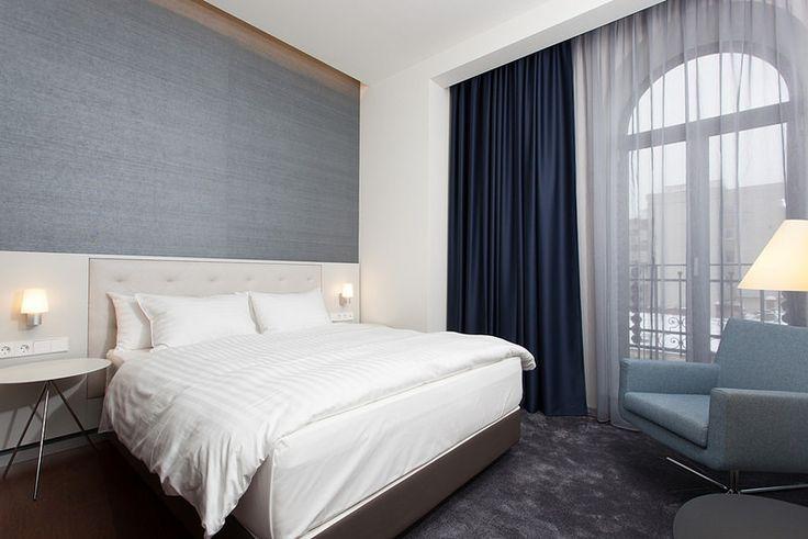 Hotel Cismigiu, Bucharest, Romania, 4 stele, cazare in centrul Bucurestiului langa Piata Universitate.