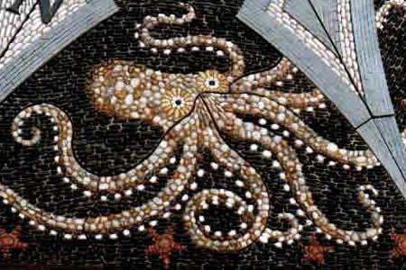 Maggie Howarth, fountain pebble mosaic