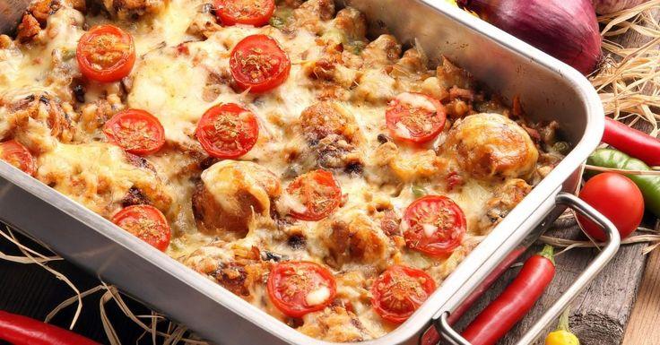 Mes enfants adorent cette recette ! Petites boulettes de poulet et de chapelure, une sauce marinara...