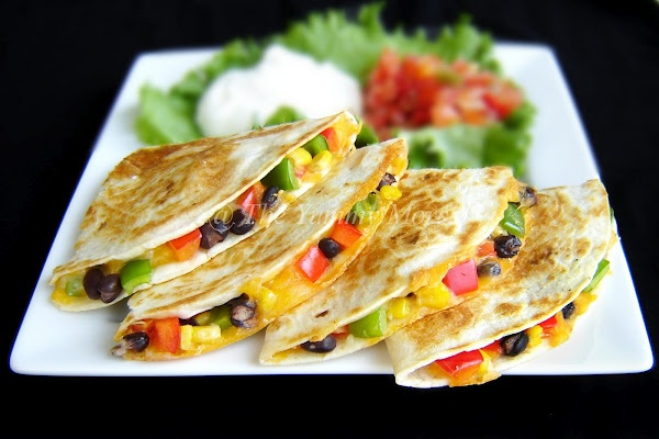 Quesadilla: Veggie Quesadillas, Veggies Quesadillas, Quesadillas Recipes, Black Beans, Vegetarian Quesadillas, Yummy Morsel, Green Belle Peppers, Favorite Recipes, Red Belle Peppers