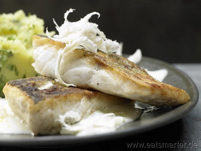 Gebratene Zanderfilets mit sahniger Meerrettichsauce - smarter - Kalorien: 393 Kcal | Zeit: 40 min.