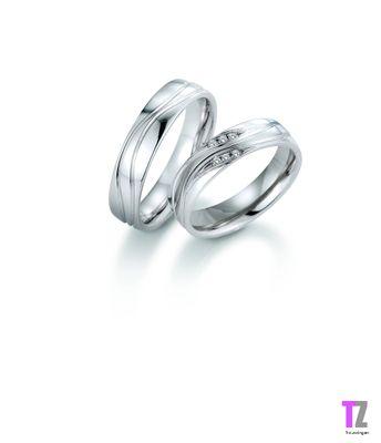 Mooie ringen! Passen goed bij elkaar. Vind 1 steentje of 1 rij stenen wel mooier denk ik..