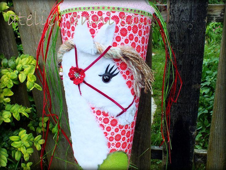 Schultüten - Schultüte Pferd Rot-Grün 85cm - ein Designerstück von annicolt bei DaWanda