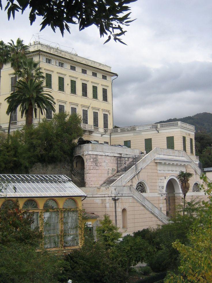 Oltre 25 fantastiche idee su paesaggio facciata casa su for Palazzo in stile spagnolo