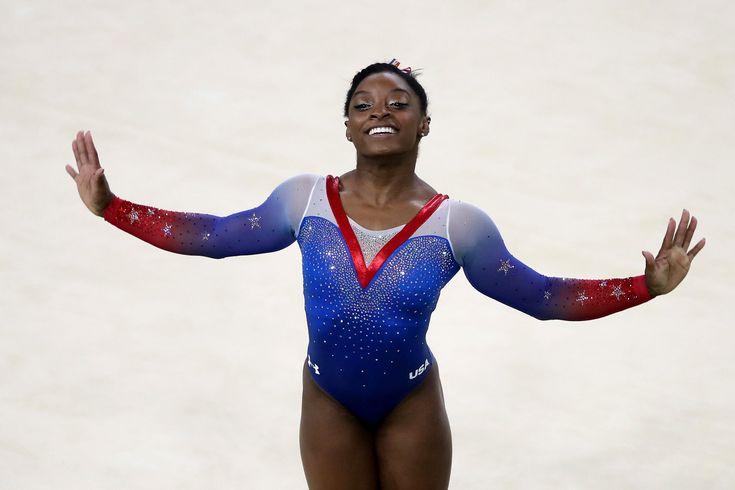 #体操 女子種目別ゆかの決勝でシモーン・バイルス選手が金メダルを獲得し、今大会4個目の金メダルです! #gold #オリンピック #リオ2016 🏅🏅🏅🏅 #リオ五輪