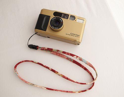 Contax T2 gold w/Silk neck strap