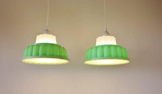 2 Lampes de Upcycled BootsNGus vert TUPPERLIGHTS - paire d'appareils d'éclairage pendentif Vintage Tupperware jell-o moule suspendus - menth...