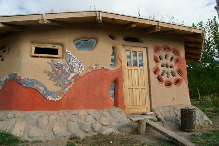 Aprueban iniciativa para fomentar la construcción de casas con tierra cruda en Río Negro