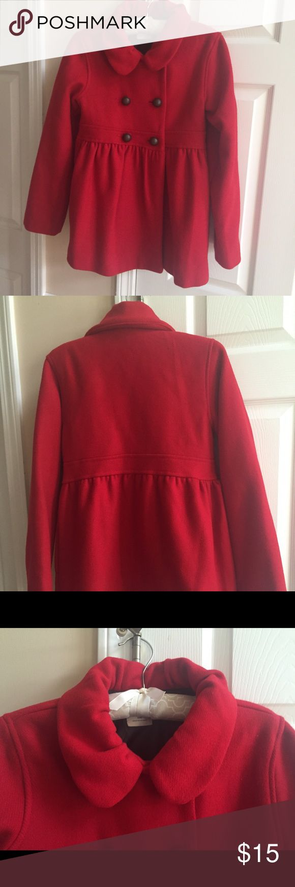 Old Navy Girls' Pea Coat This is a beautiful red pea coat from Old Navy.  In perfect condition, this coat is a nice blend of wool and polyester. The exquisite details make it extra special. Your favorite girl will look adorable in this coat! Old Navy Jackets & Coats Pea Coats