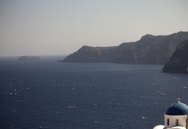 #view from the #house #caldera #Santorini #Oia #blue #dome #sea
