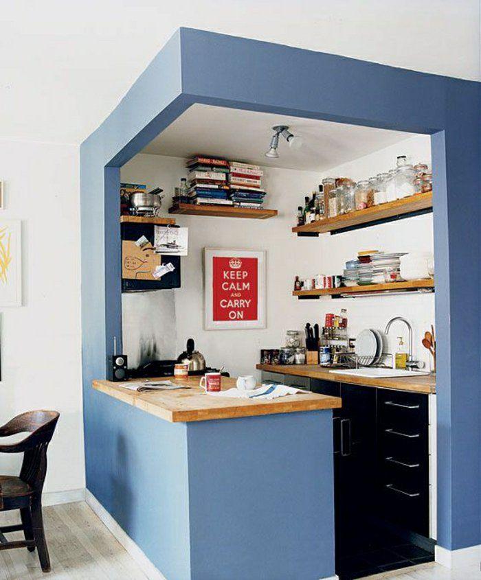 amenagement petite cuisine murs bleus et bar de cuisine moderne