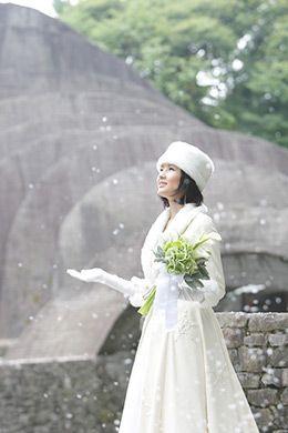 雪の中での挙式は心も清らかになりそう…♡ 軽井沢での結婚式のアイデア一覧。ウェディング・ブライダルの参考に。