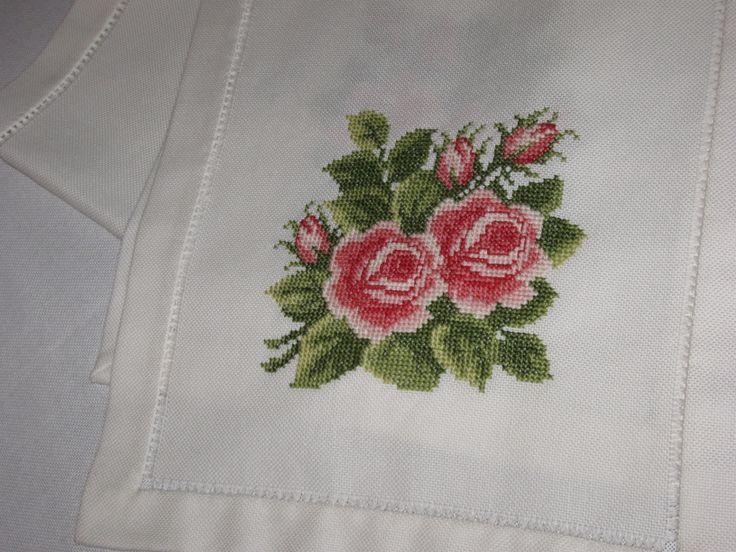 Embrodery  linen tablerunner