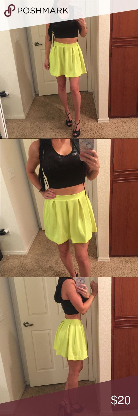 Neon Yellow Skater Skirt 💛 NEW WITHOUT TAGS! Super gorgeous highlighter yellow color! Has cute pleats and a zipper in the back! NOT Fashion Nova, just for exposure. Fashion Nova Skirts Mini