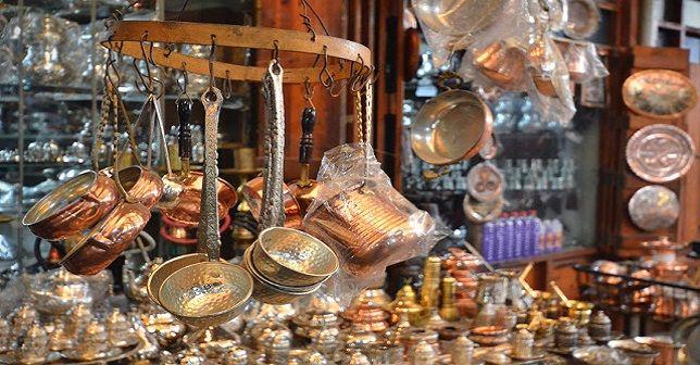 Asırlık sanat, 'Bakırcılık'  Güneydoğu şehri Gaziantep bakırcılığın merkeziydi ancak bu meslek yavaş yavaş ölüyor.  http://www.portturkey.com/tr/kultur-sanat/39530-asirlik-sanat-bakircilik